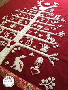scandinavian applique Christmas tree pattern 2019 scandinavian applique Christmas tree pattern The post scandinavian applique Christmas tree pattern 2019 appeared first on Wool Diy. Christmas Tree Quilt, Christmas Tree Pattern, Christmas Applique, Christmas Sewing, Christmas Embroidery, Christmas Patchwork, Christmas Quilting, Swedish Christmas, Christmas Makes