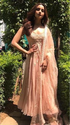 Alia Bhatt has been seen wearing one gorgeous Indian outfit after another for her movie promotions. Check all of Alia Bhatt's Indian Looks here with prices. Indian Fashion Dresses, Dress Indian Style, Indian Gowns, Indian Attire, Indian Sarees, Indian Anarkali, Indian Wear, Indian Wedding Outfits, Indian Outfits