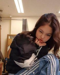 Kim Jennie, Yg Entertainment, Blackpink Fashion, Korean Fashion, South Korean Girls, Korean Girl Groups, Blackpink Debut, Rapper, Ulzzang Korean Girl