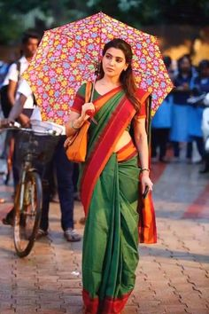 Indian actress Samantha Ruth Prabhu wear a simple yet classy dark green saree with a beautiful red border. So apt for office ethnic wear. Samantha In Saree, Samantha Ruth, South Indian Actress, Beautiful Indian Actress, Beautiful Actresses, Samantha Images, Babe, Saree Look, Saree Dress