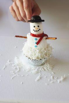 mashmallow snowman cupcake diy 33A