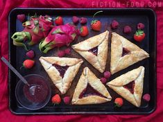 The Dragon Prince from Wonderstorm is one of the Fall Netflix premiers that I've been greatly anticipating and it's finally. Food Photography, People Photography, Sweet Recipes, Jelly, Tart, Delish, Bakery, Berries, Food Porn