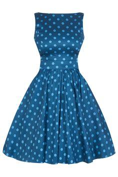 Šaty Lady V London Niagra Blue Polka Tea Retro šaty ve stylu 50. let. Nádherné šaty z londýnské módní dílny Lady V London. Jsou ve dvou odstínech modré, vyjít si v nich můžete jak na večírek, tak na schůzku nebo do práce. Dolaďte je vyššími podpatky, psaníčkem a zajímavým šperkem a vždy budete šik. Příjemný pružný materiál (97% bavlna, 3% elastan), pohodlný střih s lodičkovým výstřihem, vzadu lehce vykrojené se zapínáním na zip a vázačkou zajistí skvělé přilnutí k vaší postavě.