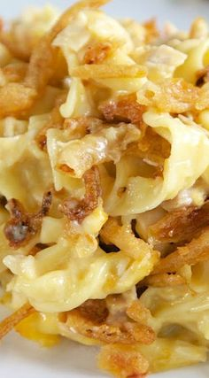 French Onion Chicken Noodle Casserole Recipe - egg noodles, french onion dip, cream of chicken soup, cheese, chicken topped with French fried onions - LOVE this casserole! Can make ahead and freezer for later. You can even split it between two foil pans - Chicken Noodle Casserole, Casserole Dishes, Chicken Soup, Chicken With Egg Noodles, Pasta Casserole, Recipes With Egg Noodles, Egg Noodle Recipes, Potato Casserole, Pasta Recipes With Rotisserie Chicken