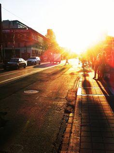 queen street w - toronto