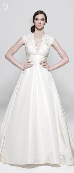 Reminds me of Princess Kates dress!! Love it.