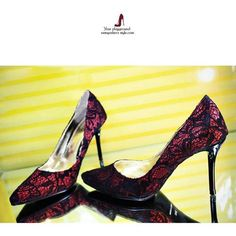 Elegant Sexy Lace Spliced Stiletto High-heeled Party Shoes
