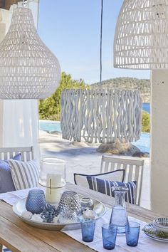 """This is how the """"Sunny Santorini"""" look works: just like in paradise! - Shop the Look Home Living, Coastal Living, Coastal Decor, Living Room Decor, Bedroom Decor, Santorini, Outdoor Balcony Furniture, Mesa Exterior, Macrame Projects"""