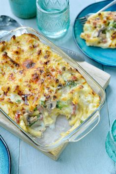 Macaroni met kaas, ham en veel groentjes Dutch Recipes, Italian Recipes, Quick Healthy Meals, Healthy Recipes, Food Porn, I Want Food, Good Food, Yummy Food, Food Platters
