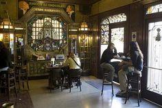 EL BOULEVARD DE BILBAO Madrid, Spain, Antique Photos, Cities, Versailles, Stained Glass Windows, Traveling, Naturaleza, Historia