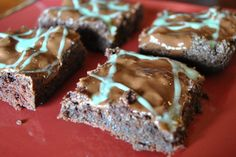 #GlutenFree Chocolate Peppermint Brookie Grasshopper Squares