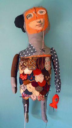 Las inquietantes y reveladoras muñecas de Cecile Perra