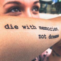 50 stunning and inspirational quote tattoos you& 50 atemberaubende und inspirierende Zitat-Tattoos, die Sie jedes Mal motivieren, … – Best Tattoos 50 stunning and inspiring quote tattoos to motivate you every time - Dream Tattoos, Time Tattoos, Future Tattoos, New Tattoos, Sleeve Tattoos, Tatoos, Motivational Tattoos, Inspiring Quote Tattoos, Good Tattoo Quotes
