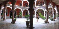 Patio del Palacio de Gobierno de la ciudad de Aguascalientes. / Ernesto Polo