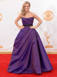 Emmy Awards 2013 - red carpet dresses :: Carrie Underwood wows in a purple ballgown