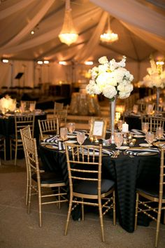 Black wedding decorations black and gold wedding decoration ideas 37 super elegant black and Gatsby Wedding, Wedding Table, Dream Wedding, Wedding Reception, Wedding Black, Black Tablecloth Wedding, Gatsby Theme, April Wedding, Tent Wedding