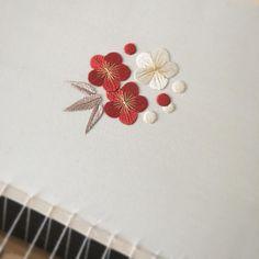 いいね!285件、コメント6件 ― Naoko Asagaさん(@pontomarie)のInstagramアカウント: 「日本刺繍で梅と笹。 ・ ・ ・」