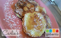 Heerlijke koolhydraatarme kokospannenkoekjes, passend in een koolhydraatarm dieet. Onderdeel van de weekmenu's van gobento.nl Breakfast Pancakes, Low Carb Breakfast, Go For It, Tasty, Yummy Food, Food Inspiration, Food Videos, Food And Drink, Healthy Recipes