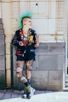 Spring Punk Outfits - When it has to do with punk, it's not just restricted to outfits. Punk is not only for girls but for boys also. Punk remains a f. Punk Outfits, Mode Outfits, Batman Outfits, Tomboy Outfits, Hipster Outfits, Party Outfits, Chicas Punk Rock, Estilo Punk Rock, Filles Punk Rock