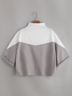 Shop Color Block Mock Neck Cuffed T-shirt online. SheIn offers Color Block Mock Neck Cuffed T-shirt & more to fit your fashionable needs. Crop Top Outfits, Cute Casual Outfits, Mode Hijab, Western Outfits, Cute Shirts, Fashion Outfits, Womens Fashion, Mock Neck, Korean Fashion