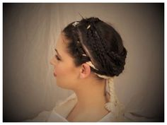 Recreation of Rome's Ancient Vestal Virgin Hairstyle by 'Live Science', hairdresser & amateur archaeologist, Janet Stephens. Roman Hairstyles, Medieval Hairstyles, Vintage Hairstyles, Fantasy Hairstyles, Historical Hairstyles, Beautiful Hairstyles, Baltimore, Goddess Of The Hearth, Roman Dress
