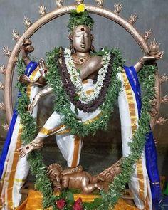Gold Temple Jewellery, Om Namah Shivaya, Lord Shiva, Wreaths, Statue, God, Instagram, Dios, Door Wreaths