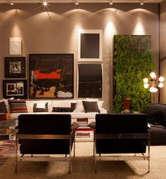 The charm of a vertical garden. #casacor #decor #living #interior #design #casadevalentina
