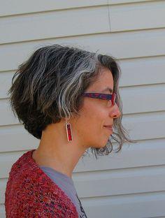 Účesy pro Greying vlasy se stresu Příčina Šedé vlasy