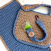 Ravelry: Baby Shower Set  bib, burp cloth and pacifier holder - free crochet pattern by Cassi Ence . Site not available at the moment but good as inspiration!