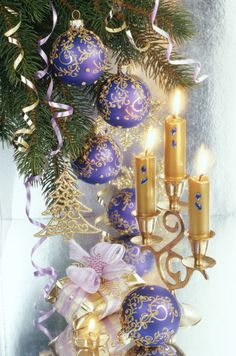Raindrops and Roses Purple Christmas, Very Merry Christmas, Christmas Love, Christmas Colors, Christmas Greetings, All Things Christmas, Vintage Christmas, Christmas Bulbs, Christmas Decorations