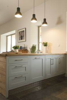 Chalkhouse Shaker kitchen