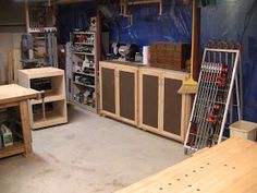 (Go back to part 3 )    The main work area: Roubo workbench, with all tools just a few steps to the right. So far I've found this layout ver...