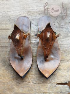 Handmade Custom Shoes, Bags And Eco Handicrafts by holycowchic Leather Slippers, Leather Sandals, Leather Boots, Men Sandals, Cowboy Boots Women, Cowgirl Boots, Western Boots, Riding Boots, Timberland Style