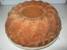 Kotikokista löydät ohjeet siihen, miten omenainen maustekakku valmistetaan. Reseptiä katsottu 28975 kertaa. Katso tämä ja sadat muut reseptit sivuiltamme! Food And Drink, Pie, Bread, Desserts, Rice Salad, Styrofoam Ball, English Muffins, Yummy Recipes, Greedy People
