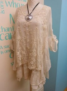 Plus size embroidered lace classy tunic top set