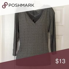 Women's J Jill 3/4 sleeve Wearever top size Small Stylish V-neck. Soft knit top. Gently used in excellent condition,without any rips or stains J Jill Tops Tunics