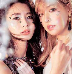 HELLO VENUS - Kwon NaRa 권나라 &  Alice 앨리스 (Song JooHee 송주희) for Cosmopolitan 'Mysterious' era #권또치