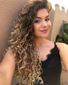 Hairstyles cabello rizado corto 70 Most Gorgeous Natural Long Curly Hairstyles for Lady Girls - Page 40 of 67 - Diaror Diary Colored Curly Hair, Long Curly Hair, Wavy Hair, Dyed Hair, Curly Hair Styles, Natural Hair Styles, Ombre Curly Hair, Curly Balayage Hair, Curls Hair
