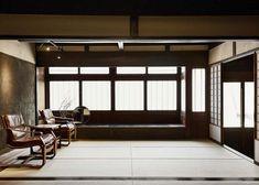 Матия - это длинный деревянный дом традиционной японской архитектуры. Обычноматия состояла из небольшого магазина и жилого помещения для своих владельцев. Задняя часть матии может содержать небольшое садовое пространство, для того, чтобы принести в дом свет и воздух и придать ощущение связи с природой.