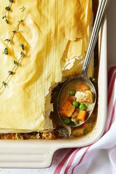 This updated chicken pot pie is cravable comfort food like Grandma used to make, with a trick to getting a tender, flaky crust with minimal effort. Pie Recipes, Chicken Recipes, Cooking Recipes, Healthy Recipes, Fixate Recipes, Cooking Time, Clean Recipes, Pots, Recipe 21