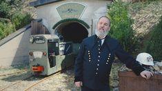 Bergknappe Hansi Grander - Wasser als Lebenselexier Es sind die Menschen, die Kitzbühel und seine Feriendörfer Reith, Aurach und Jochberg so besonders machen. #LocalHeroes #kitzbühel #wirsindKITZBÜHEL Captain Hat, Places, Heroes, People, Water