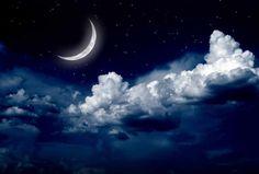 Наши предки уже в старину замечали, что луна сильно влияет на нашу жизнь, и веками составляли народные приметы в зависимости от фазы луны. Новолуние – лучший период для новых начинаний. Хотите узнат…