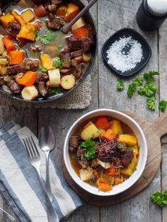 Alt i ett kyllinggryte - Mat På Bordet Soup Recipes, Healthy Recipes, Healthy Foods, Norwegian Food, Scandinavian Living, Pot Roast, Tex Mex, The Best, Curry