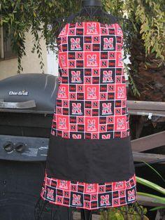 Husker apron