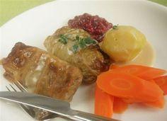 Kaalista ruokaa ympäri vuoden. - Lisää hapankaalia salaatin joukkoon, valmista siitä paistoksia ja laatikkoruokia, lisää keittoihin ja piirakoihin. Lämmitetty hapankaali sopii hyvin myös esim. lohen ja kirjolohen lisukkeeksi. Hapankaali maistuu herkulliselta myös ruisleivän päällä.