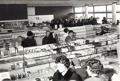 Viitasaarelaisen tavaratalo Sisämaan avajaiset 21.4.1966.