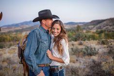 Oregon Ranch Engagement Session | © Shana Bailey Photography | Western Lifestyle | Cowboys & Cowgirls | www.shanabailey.com