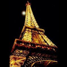 La Tour Eiffel http://media-cache6.pinterest.com/upload/6966574393645432_w1wl88Yo_f.jpg mcajapin places spaces