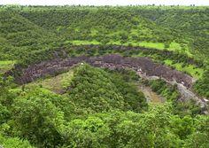 19-Ajanta_caves.jpg 972×691 pixels