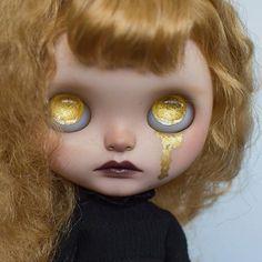 Cutie of the Day by @erin_deir Check profile: http://ift.tt/2BiCdSO #blythe #dollycustom #blythecustom #blythecustomizer #ooakblythe #customblythe #kawaii #doll #artdoll #dollstagram #blythestagram #blythelover #ブライス